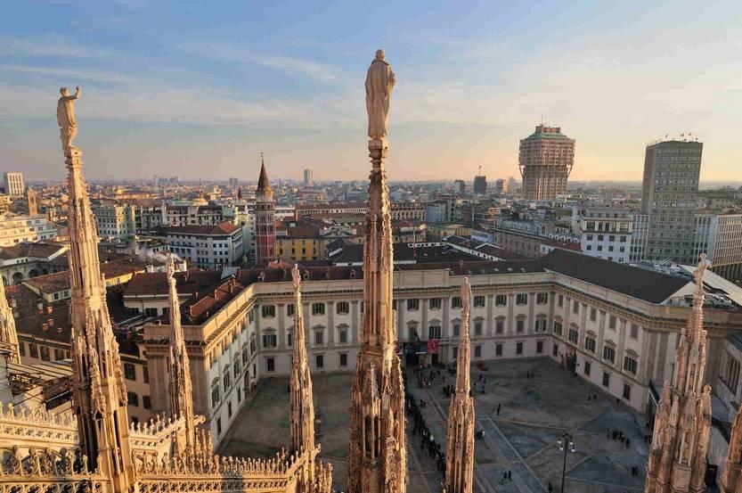 Экскурсии в Милане - площадь Дуомо
