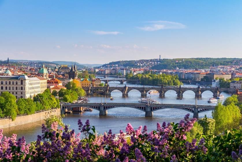 Экскурсии в Праге, цены - Прага на очаровательных берегах Влтавы